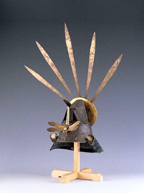 江戸時代の兜『素懸浅葱糸威帽子形兜(すがけあさぎいとおどしもうすなりかぶと)』