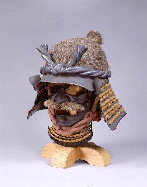 江戸時代の兜『茶糸威野郎頭形兜(ちゃいとおどしやろうずなりかぶと)』
