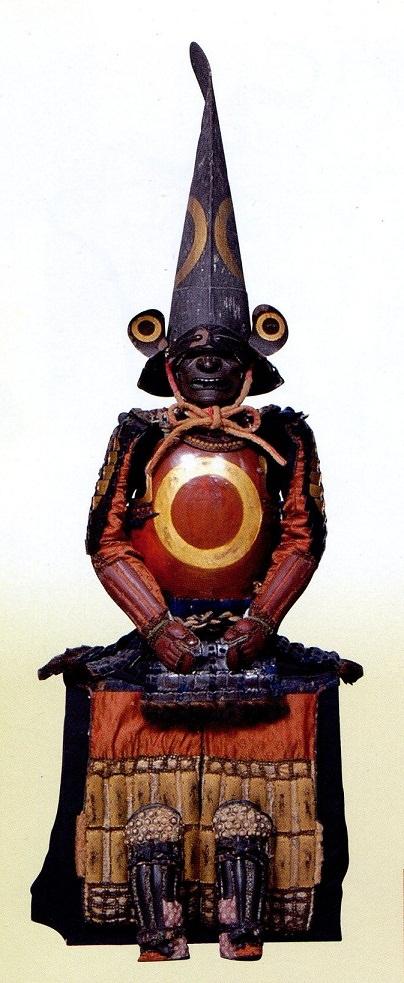 加藤家所用の具足『白檀塗蛇目紋蒔絵仏胴具足』