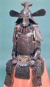 竹中半兵衛の具足といわれる『魚鱗札二枚胴具足』