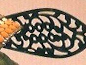 兜にもデザインされている真田家の家紋「六文銭」