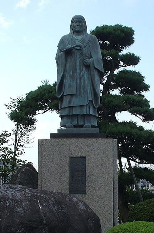 南光坊天海の銅像